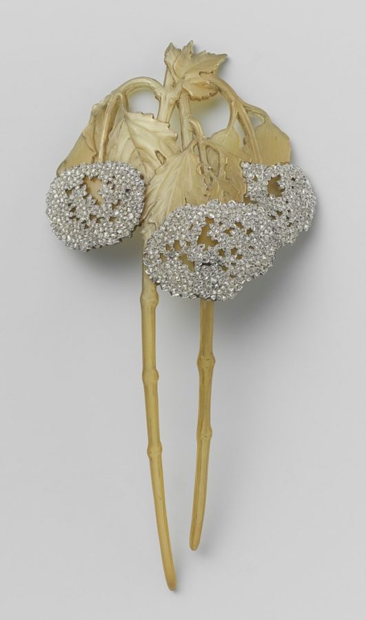 Hairpin in the form of two arms of Viburnum, ca. 1902-1903 René Lalique, Rijksmuseum, Public Domain