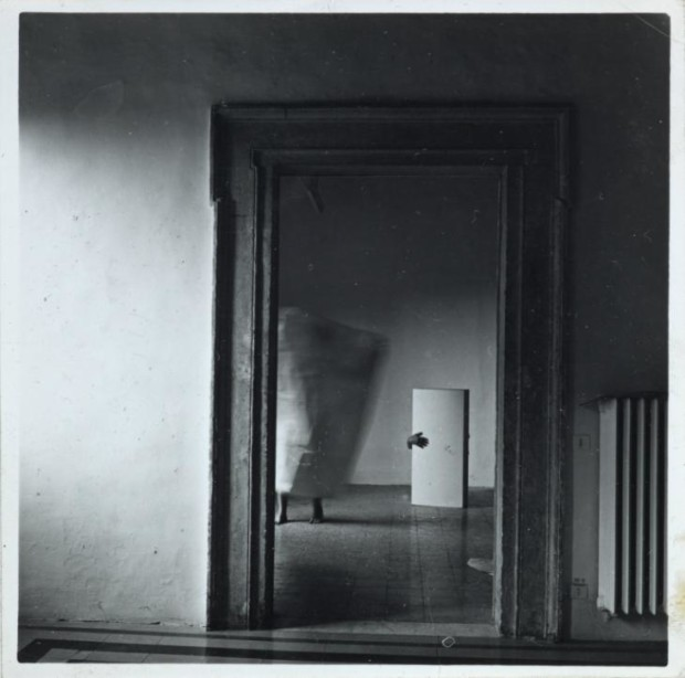 Francesca Woodman, From Angel Series, Roma, September 1977, © Courtesy of George and Betty Woodman, Tate, Francesca Woodman photographs