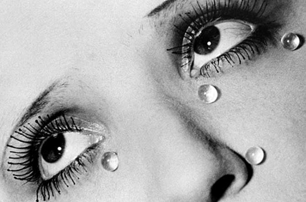 Man Ray, Glass tears, 1932 © Man Ray Trust / ADAGP - PICTORIGHT / Telimage - 2013