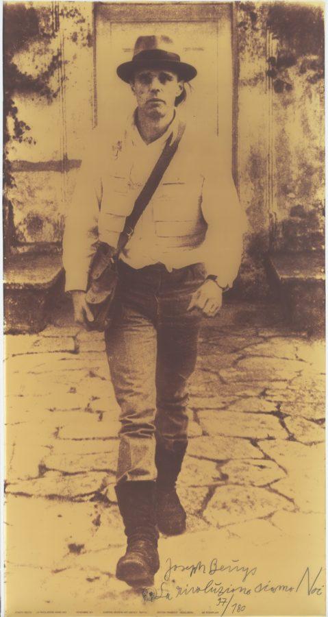 Joseph Beuys, La rivoluzione siamo noi (We are the revolution), 1972, MoMA, most important works of joseph beuys