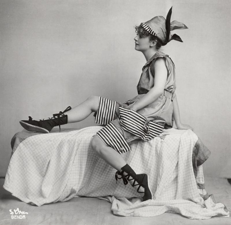 MADAME D'ORA (DORA PHILIPPINE KALLMUS), Wiener Werkstatte Swimsuit, 1917 © Museum fur Kunst und Gewerbe, Hamburg make me beautiful madame d'ora