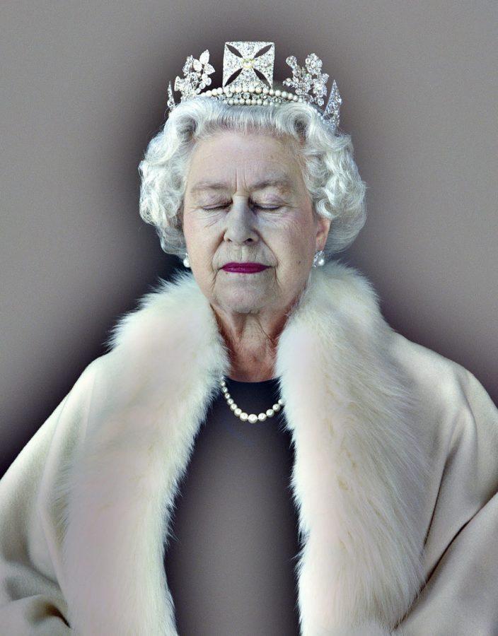 Chris Levine, 2004, royal portrait, Lightness of Being, Elizabeth II British royal portraits