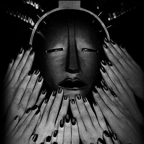 Man Ray, Elizabeth Arden Electrotherapy Facial Mask, 1932. Source: ArtStack, man ray and his masks