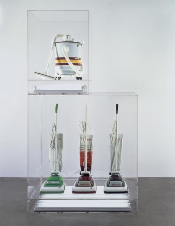 Jeff Koons, New Hoover Convertibles, Green, Red, Brown, New Shelton Wet/Dry 10 Gallon Displaced Doubledecker, 1981–7, Tate