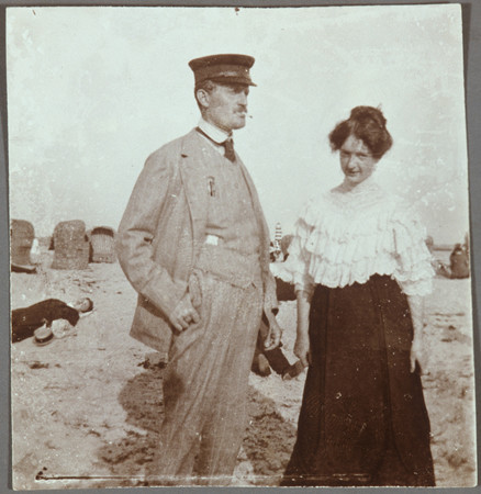 Self-Portrait with Rosa Meissner on the beach in Warnemünde, 1907
