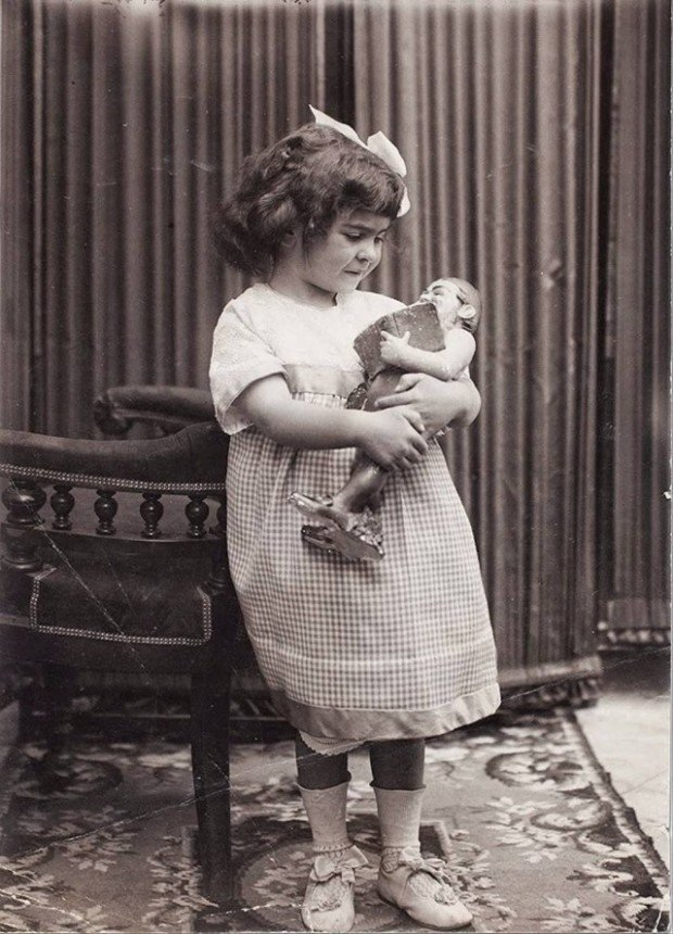 Frida Kahlo at age 4 in 1911