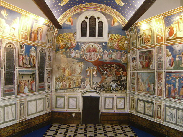 Interior of the Scrovegni Chapel. Wikimedia Commons.
