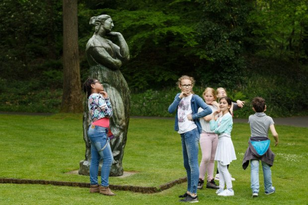 Kids with Émile-Antoine Bourdelle, 'Large Penelope', 1912. / Photo Wieneke Hofland