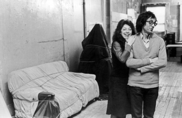 Christo and Jeanne-Claude in Christo's studio, New York City, 1976 , Photo: Fred W. McDarrah/Getty Images, © 1976 Christo, christo and jeanne claude love