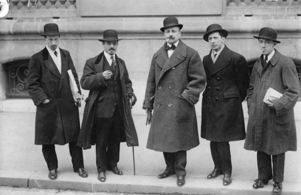 Manifesto of Futurism Futurists Luigi Russolo, Carlo Carrà, Filippo Tommaso Marinetti, Umberto Boccioni and Gino Severini in front of Le Figaro, Paris, February 9, 1912