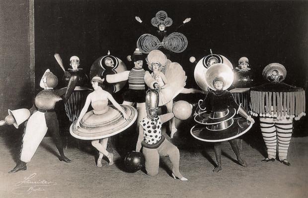 Oscar Schlemmer, Triadic Ballet, 1916, artsy halloween costume