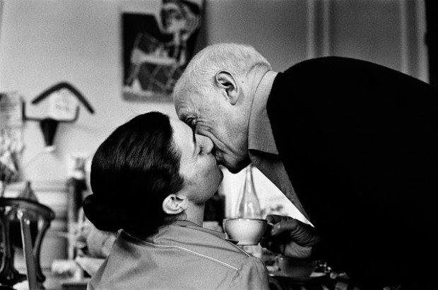 Picasso giving Jacqueline a kiss, 1959, Pablo Picasso and his Women
