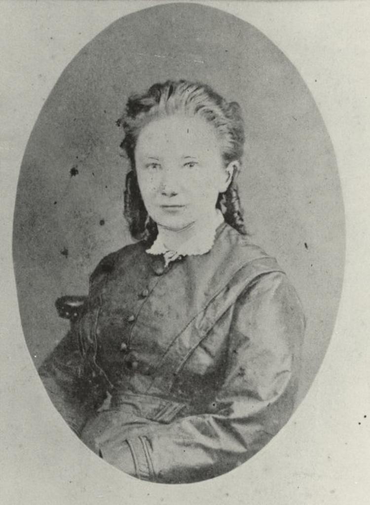 Photograph of Margot Begemann.