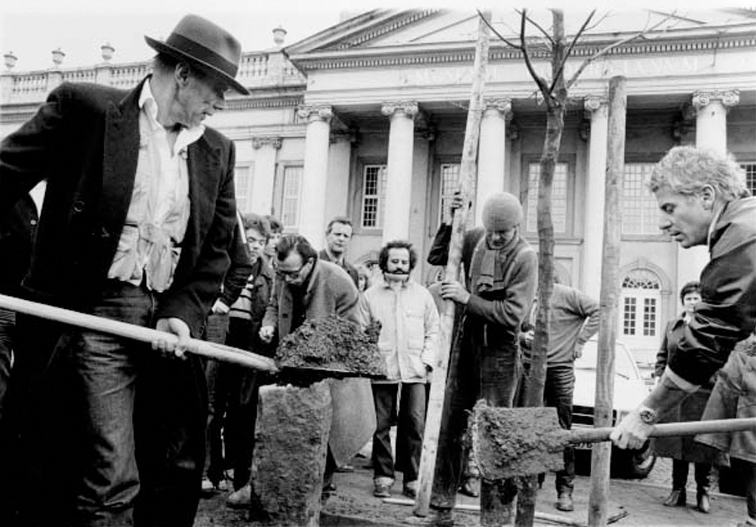 Joseph Beuys, 7000 Oaks, 1982, Kassel, most important works of Joseph Beuys