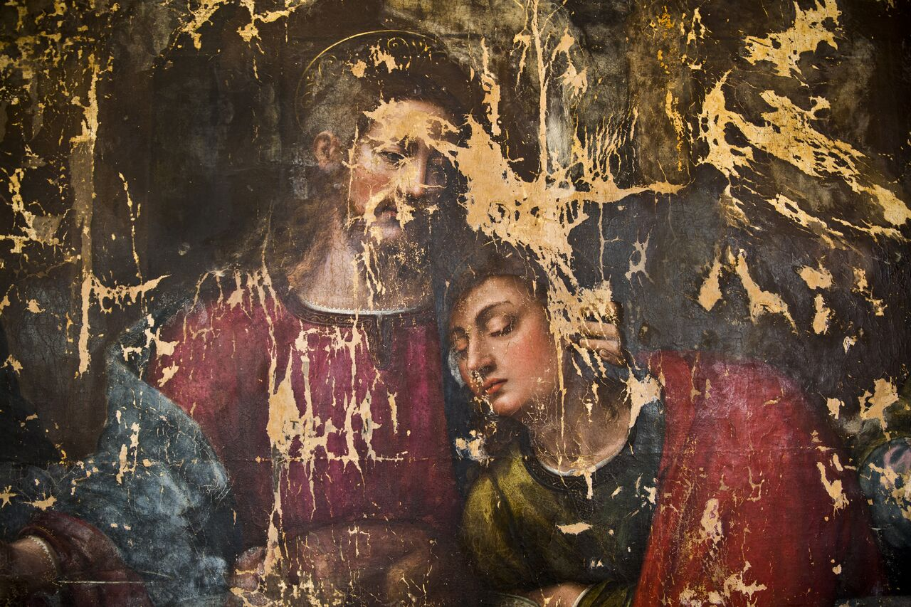Adopt an Apostle. Detail of Christ and Saint John, phase I, Photo: Francesco Cacchiani, restoration of last supper by Plautilla Nelli