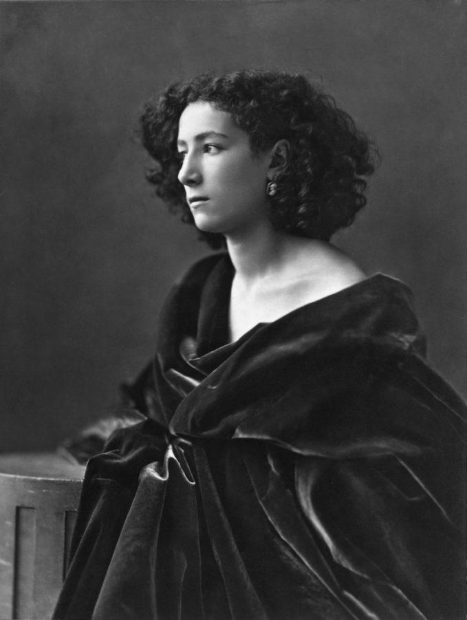 Dr. Pozzi Sarah Bernhardt in 1864; age 20, Dr. Pozzi by John Singer Sargent