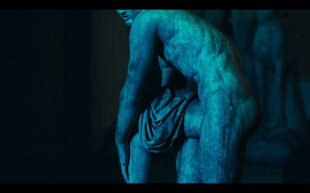Beyonce Jay-z Louvre video Hermes tying his sandal, Roman copy of the 2nd BC sculpture, Musée du Louvre