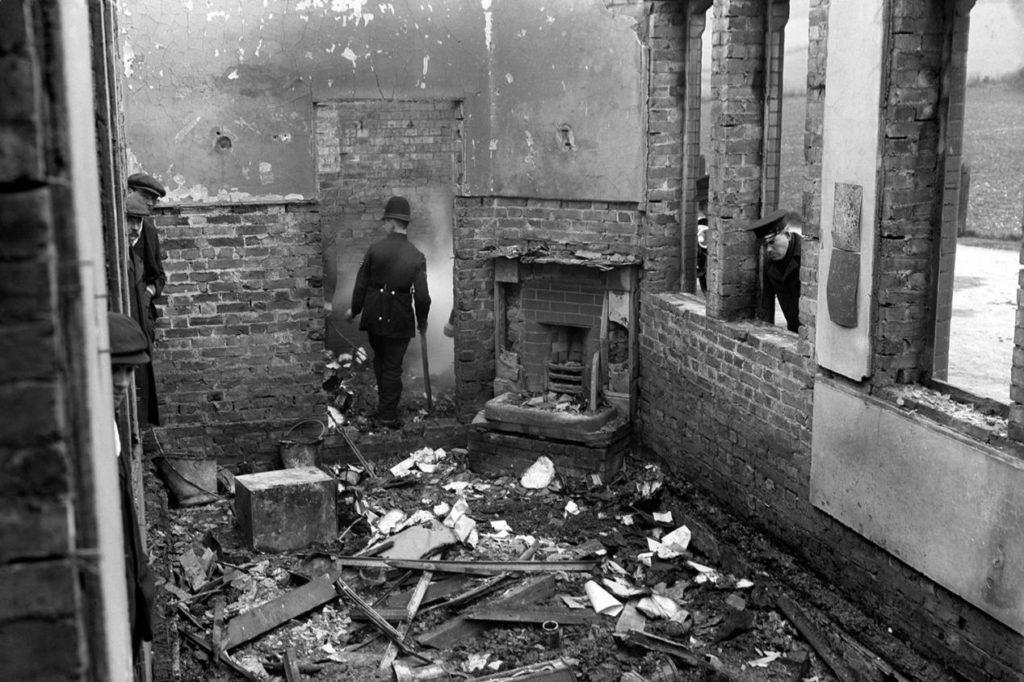Saunderton Railway Station. Suffragette. Arson. 1913