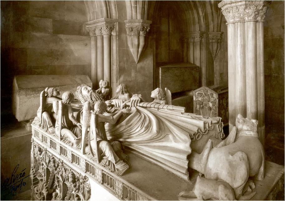 King Pedro's tomb. Source: https://flemingdeoliveira.blogspot.com