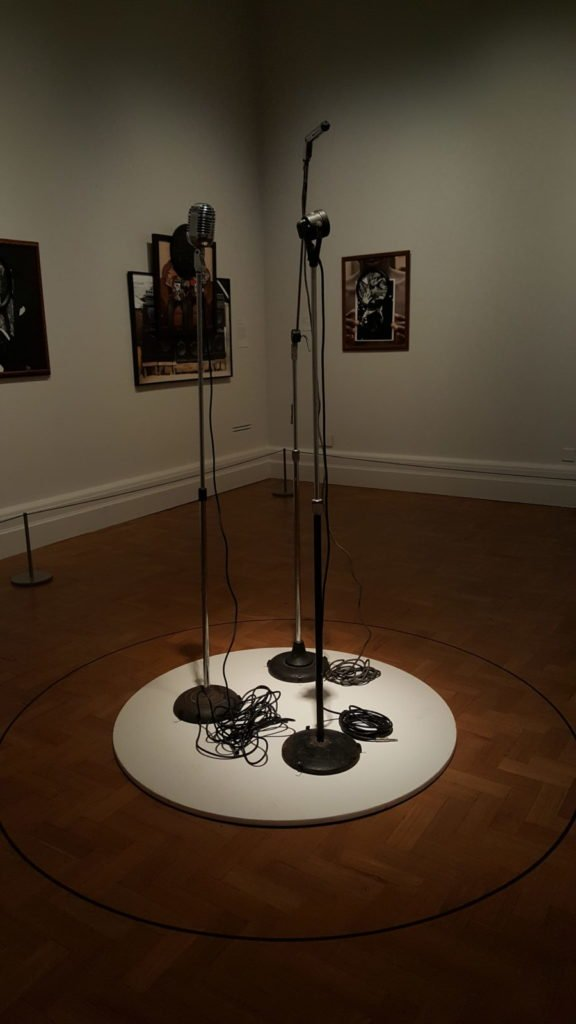David Hammons, Which Mike do you want to be like…? - Michael Jackson