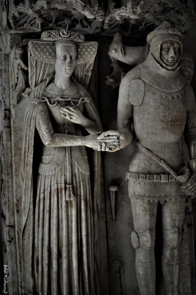 Funerary art of medieval England: Effigy of Sir Ralph Greene and his wife Katharine, St Peter's Church, Lowick, Northamptonshire, UK. Photo courtesy of Adam Kucharczyk.