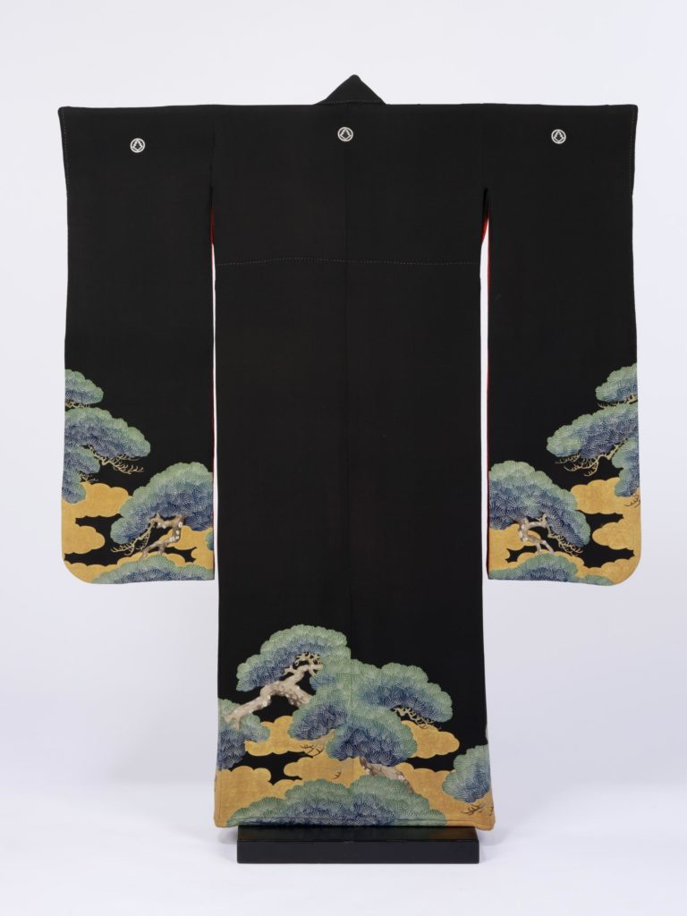 Kimono, Japan, 1880-1910, given by Lady Palairet in memory of Sir Michael Palairet, Victoria and Albert Museum, London, UK.