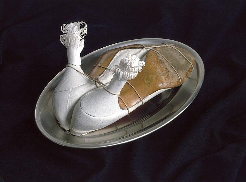 Méret Oppenheim,  Ma Gouvernante (My Nurse or Mein Kindermädchen), 1936, metal plate, shoes, string, paper, Moderna Museet, Stockholm, Sweden. © Meret Oppenheim/Bildupphovsrätt 2020.