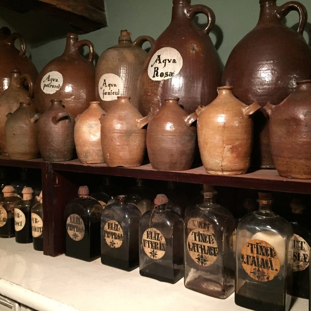 Apothecary jars from the Svaneapotek