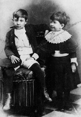 Pablo Picasso with his sister Lola Picasso