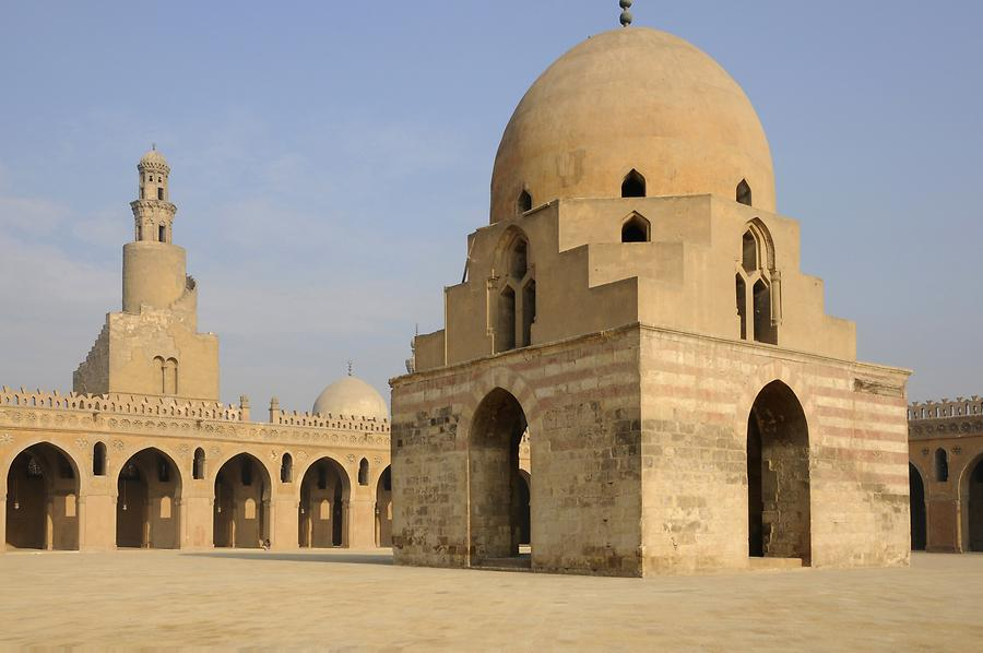 The most beautiful mosques to visit: Mosque of Ibn Tulun