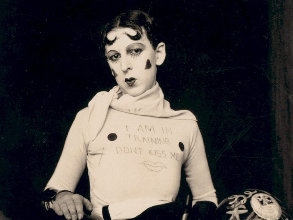 Claude Cahun, I am in training, don't kiss me