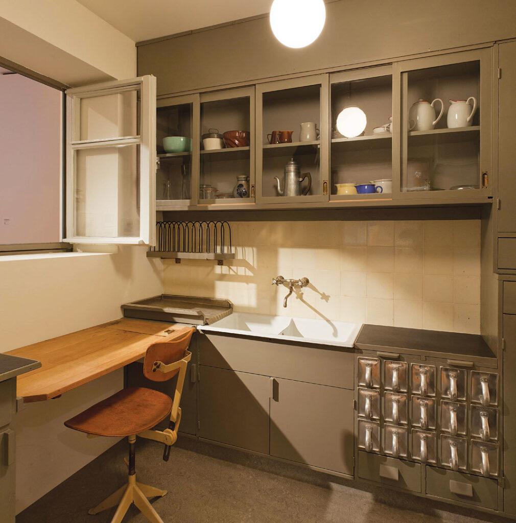 Women Interior Designers Margarete Schutte Lihotzky, The Frankfurt Kitchen, 1926 - interior design