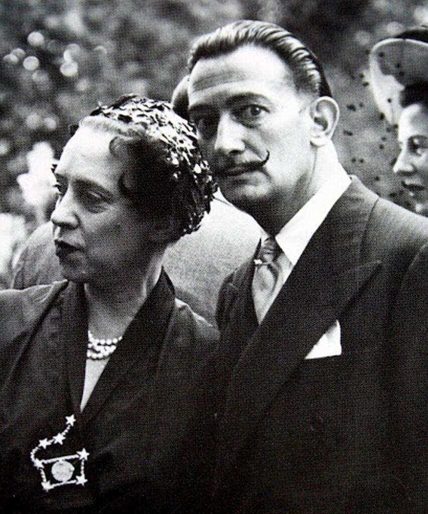 Elsa Schiaparelli and Salvador Dalì photographed together, 1936.