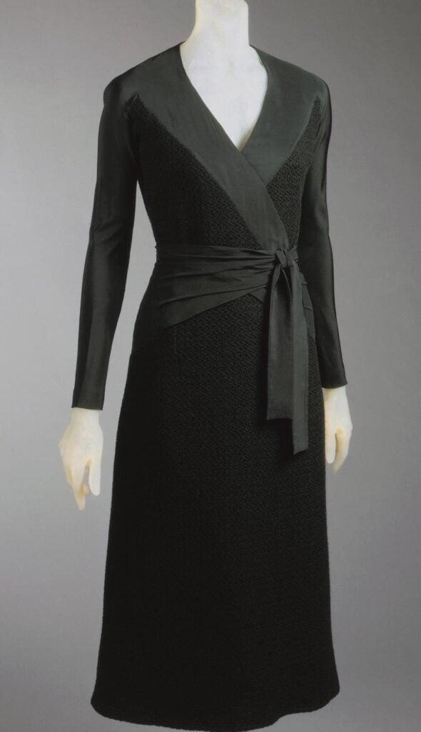 Elsa Schiaparelli, Wrap dress, 1930s.