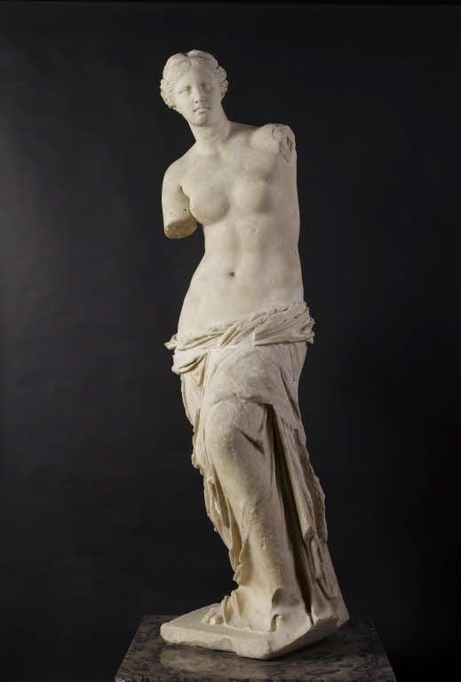 Art History 101: Venus de Milo, statue in white marble