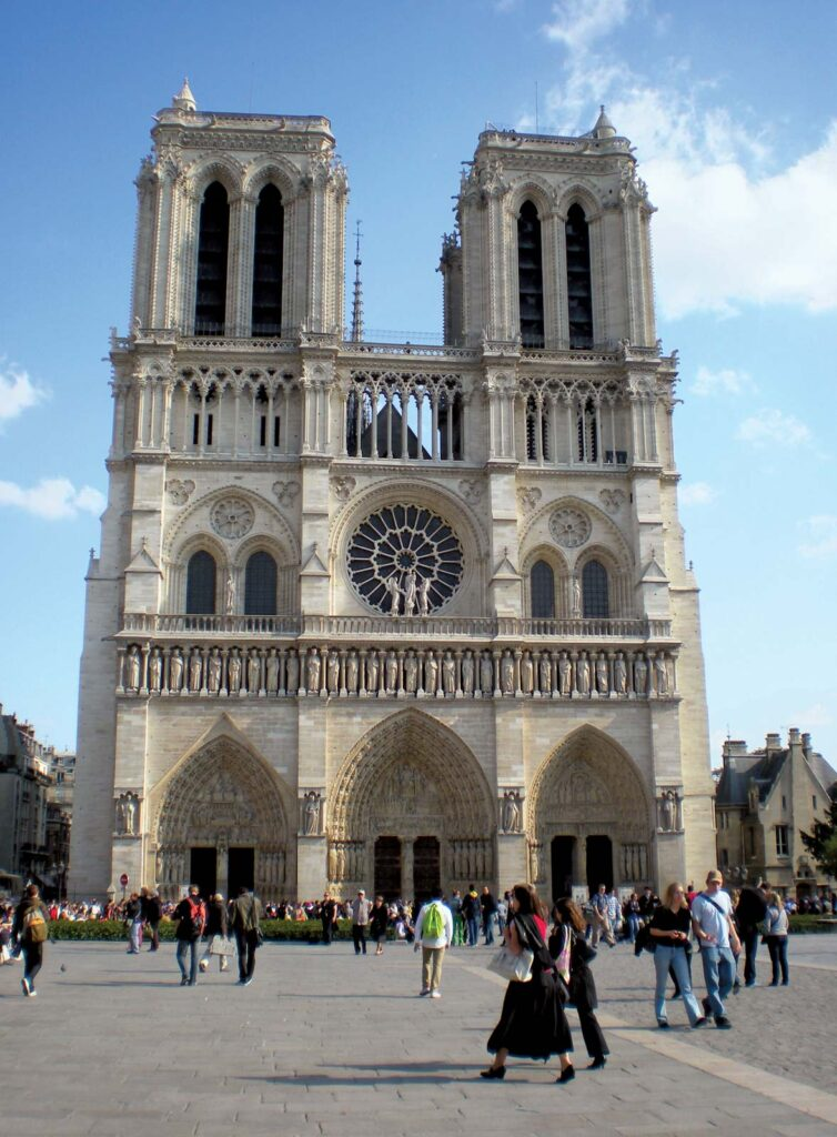 Art History 101: Notre-Dame de Paris Cathedral