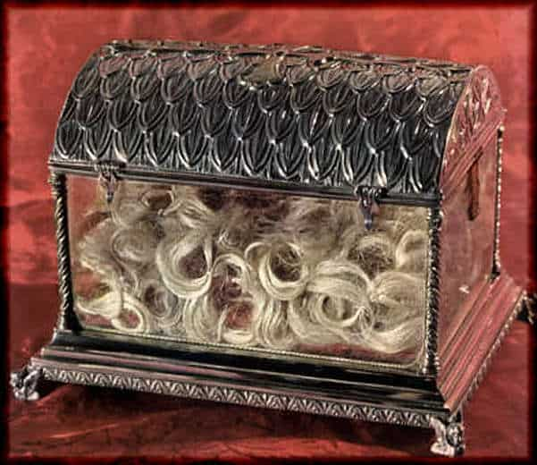 Top 10 Christian Weird Relics: Reliquary of St.Clare's locks and nail clippings, Basilica di Santa Chiara, Assisi, Italy.