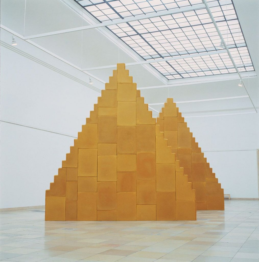 Wolfgang Laib, There is no beginning and no end, beeswax and wooden understructure