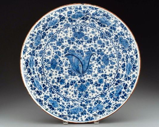 Delftware plate, probably made by: De Witte Ster (White Star) factory, late 17th - early 18th century, Delft, The Netherlands; Museum of Fine Arts, Boston, MA, USA.