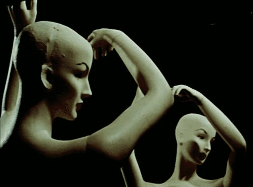 """Female nude mannequins, """"Girl with Prefabricated Heart"""" scene from Dreams that money can buy, 1947."""