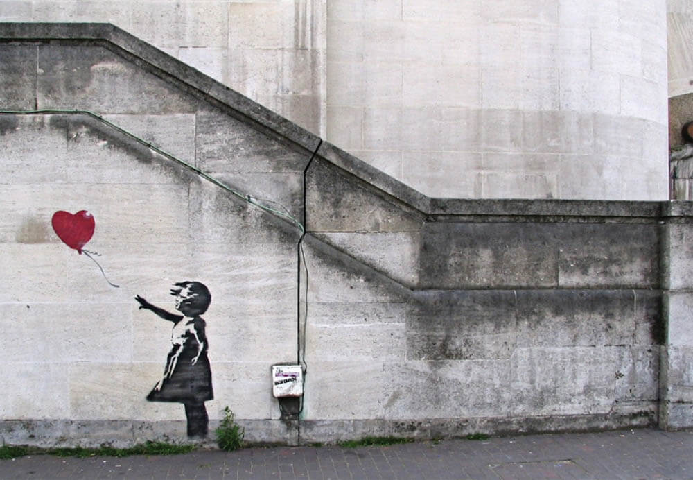 Banksy city guide 2021: Banksy, There is always hope (or Girl with Balloon or Balloon Girl o Girl and Balloon), from 2002