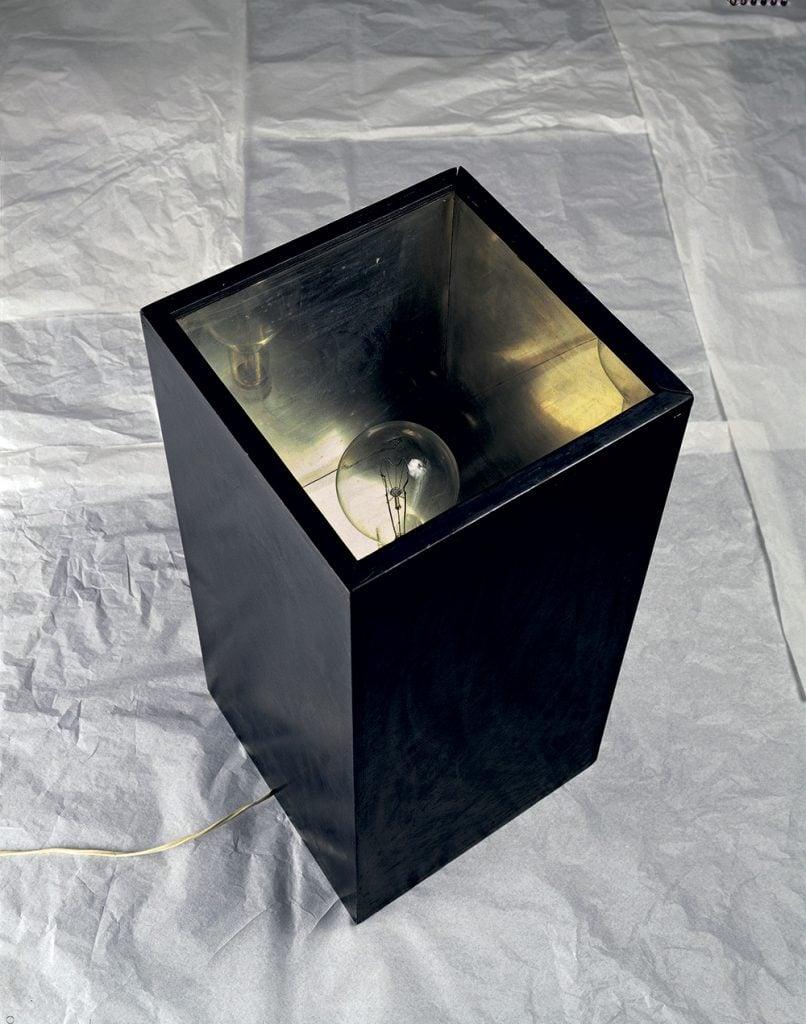 Alighiero Boetti, Lampada annuale (Annual lamp), 1966.