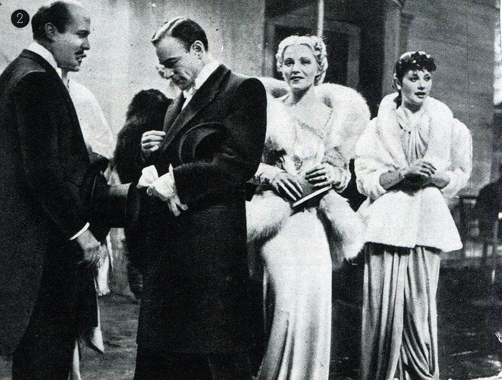 Still from Alessandro Blasetti's white telephone film La Contessa di Parma, 1937. Imdb.