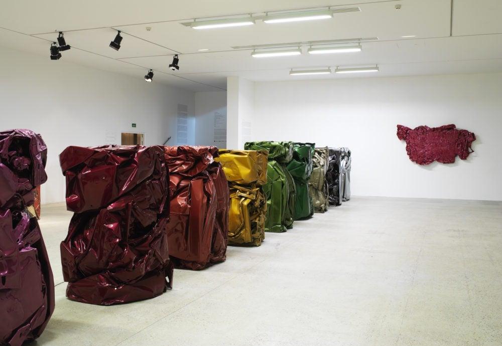 César Baldaccini, Crushed Cars Compressions, Retrospective exhibition in 2018, Centre Pompidou, Paris. .