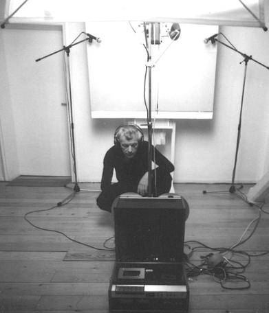 Roman Opałka photographed while listening to his own recorded voice. Source: www.opalka1965.com.