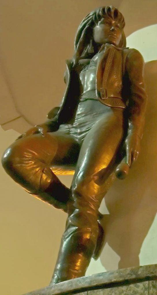 Statues of famous musicians: H W Tatum, Mirador de la Flor (Selena Quintanilla), Corpus Christi, Texas, USA.