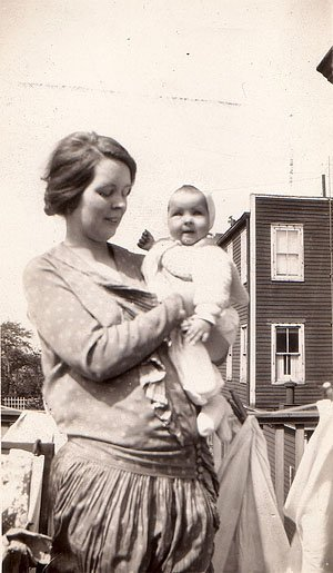 Alice Neel holding her daughter Santillana in Havana,