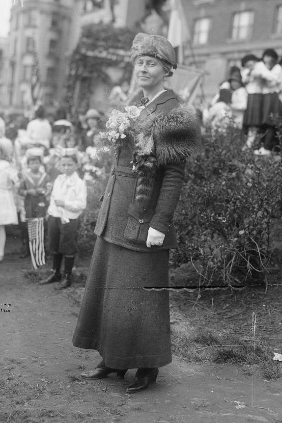 Anna Vaughn Hyatt (Anna Hyatt Huntington), 1921. Photo from the Library of Congress.