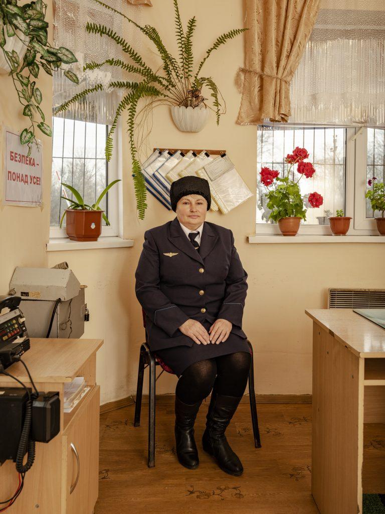 Tetiana Ivanivna Filatova, 48, 13 years of service, Pysmenna station, 271 km crossing Cisdnieper Railways. Sasha Maslov, Ukrainian Railroad Ladies.