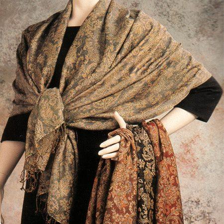 Fashionable Shawl, Frida Kahlo's style